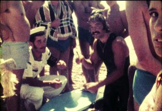 Meco CarcavMECO CARCAVELOS FIRMANDO PARA HACER SURF 1973